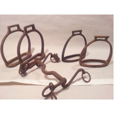 LOT OF 18 TH C ANTIQUE IRON 2 PAIRS OF HORSE STIRRUPS & HORSE BI