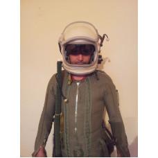 Flight pilot Helmet & pressure suit Cold War MIG-25 Soviet Russi